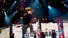 """Eric Saade vann Melodifestivalen 2011 med låten """"Popular"""" och tog hem en tredjeplats i Eurovision Song Contest i Dusseldorf."""