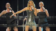 "Charlotte Perrelli framför bidraget ""Hero"" i Melodifestivalen 2008."