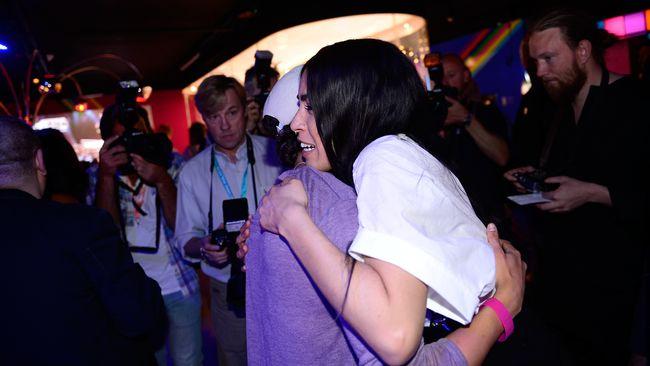 Loreen kramar om Frans.