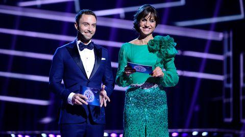 Petra Mede och Måns Zelmerlöw i genrepet ESC final. Lars Wallin har designat Petras klänning.