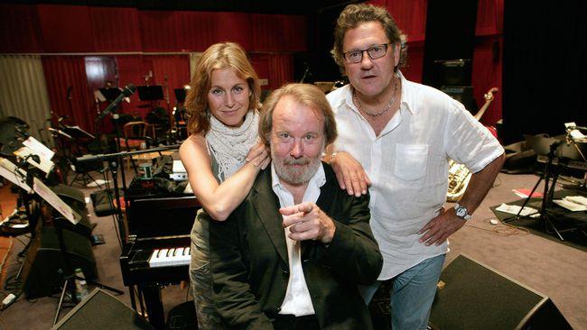 Benny Anderssons orkester med Helen Sjöholm, Benny Andersson och Tommy Körberg.