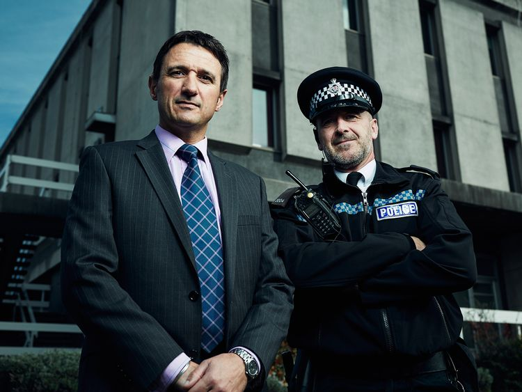Kriminalkommissarien Andy Bevan och polisen Ifor Williams.