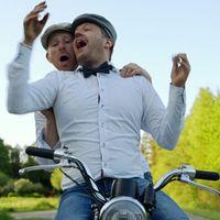 Bröderna på moped.