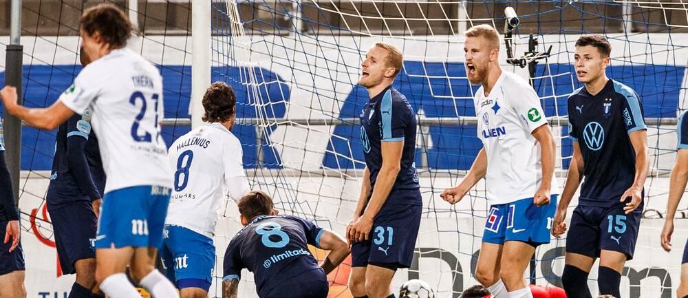Malmö FFs Franz Brorsson och Anel Ahmedhodzic deppar samtidigt som IFK Norrköpings Filip Dagerstål jublar efter 1-1 av Alexander Fransson nder fotbollsmatchen i Allsvenskan mellan IFK Norrköping och Malmö FF den 20 september 2020 i Norrköping.