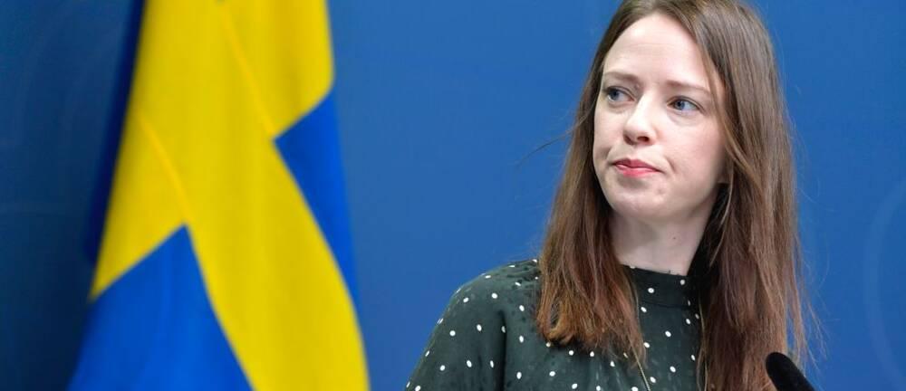 Jämställdhetsminister Åsa Lindhagen kandiderar till språkrör för Miljöpartiet efter Isabella Lövins avhopp.