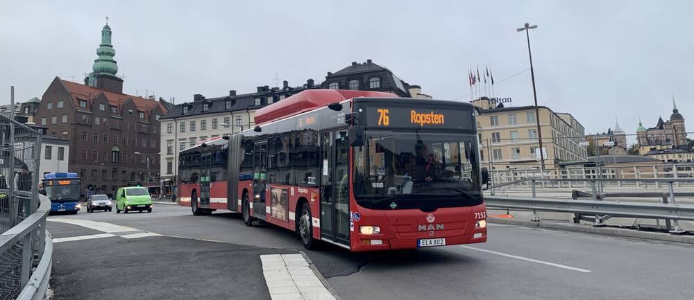 buss 76, vid slussen i stockholm
