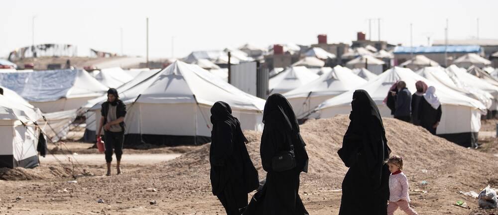 Kvinnor i ett flyktingläger.