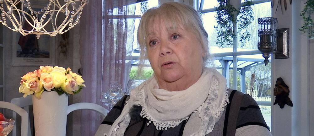 Anna-Karin Byström vill att Munkfors kommun återinför fast anställda lokalvårdare på äldreboenden.