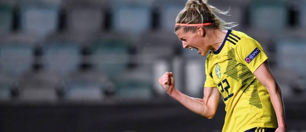 Olivia Schough firar 3-0 mot Lettland.