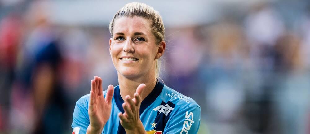 Olivia Schough efter en damallsvensk match i somras.