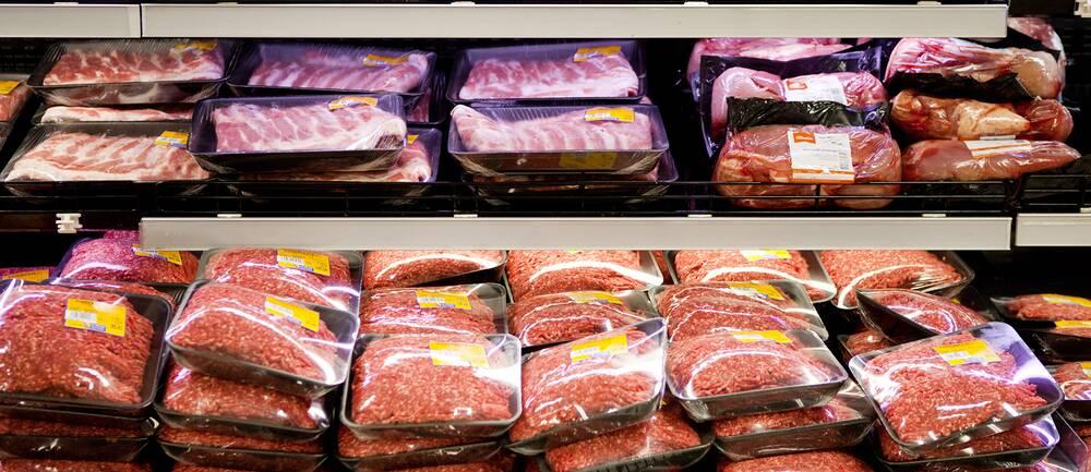 Full köttdisk. Men just nu råder brist på svenskt kött. Arkivbild.