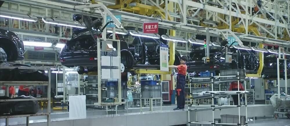 Bilfabrik i Kina.