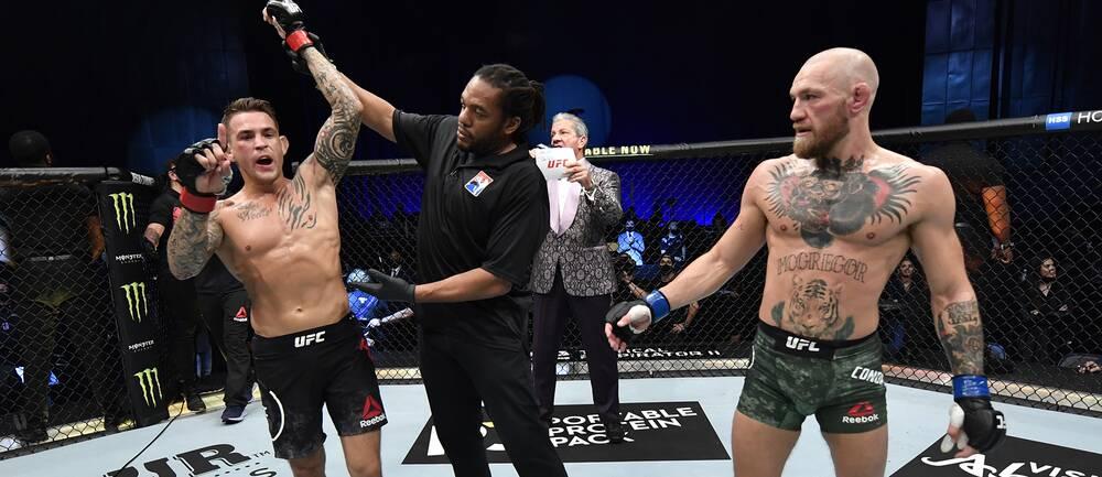Dustin Poirier jublar efter att ha besegrat superstjärnan Conor McGregor via knockout.