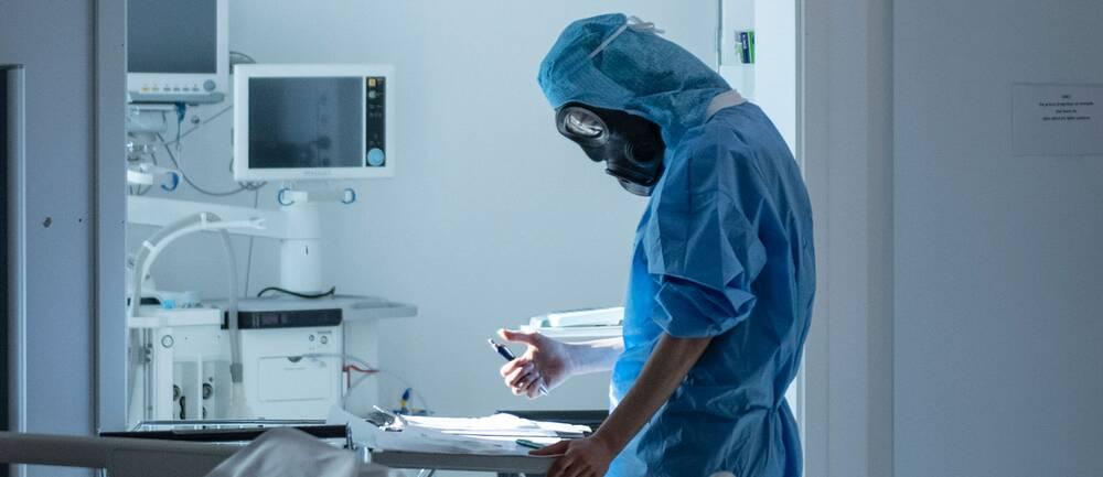Sjuksköterska på iva på Södertälje sjukhus