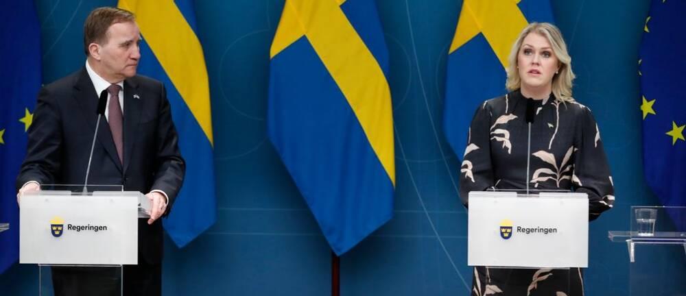 Bilden visar Socialdemokraternas statsminister Stefan Löfven och socialminister Lena Hallengren.