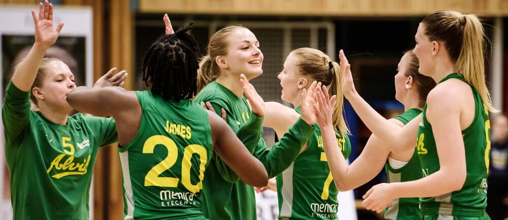 Alvik är finalklara efter 3-0 i matcher mot Högsbo.