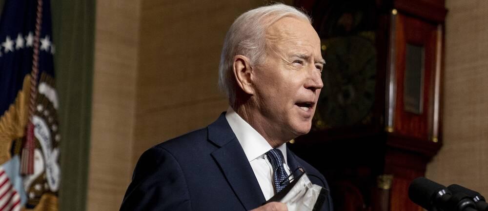 Joe Biden inför sanktioner mot Ryssland