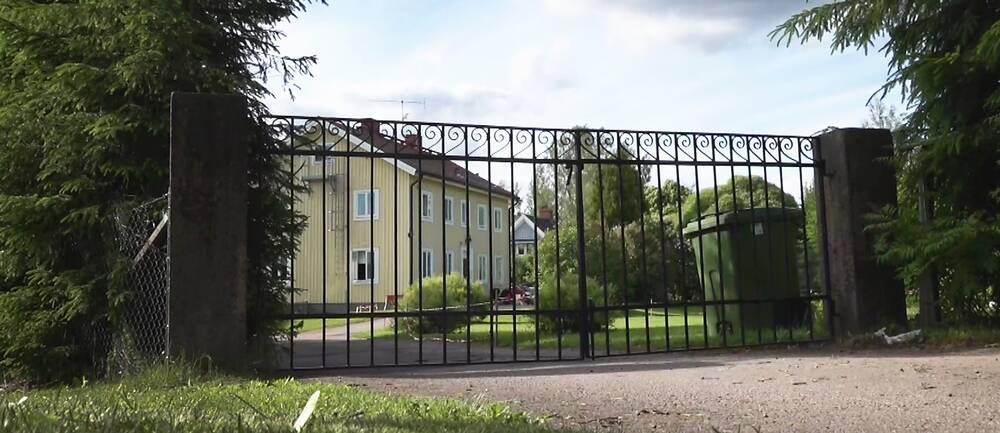 Ett av vårdföretaget Plateas HVB-hem – nu kommer beskedet från Ivo att bolagets verksamhet i Hagfors tvingas stänga