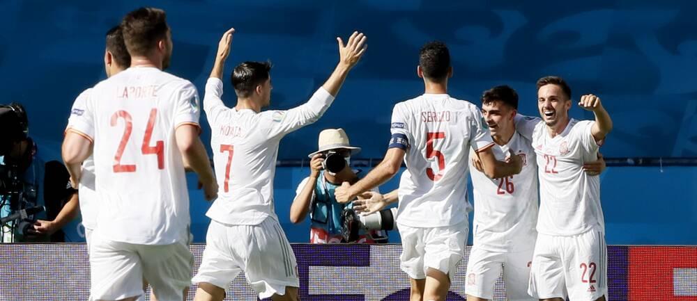 Spanien med 2-0-ledning mot Slovakien i halvtid.