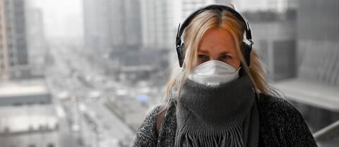 Den farliga smogen sänker sig över Beijing och sikten är bara några hundra meter nu. Men det finns ingenstans att fly. Det skriver SVT:s Asienkorrespondent Susan Ritzén.