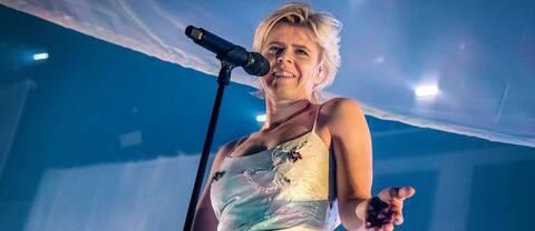 Robyn uppträder på Artipelag i Gustavsberg