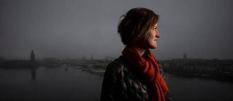 Anna Kinberg Batra med Stockholm i bakgrunden.