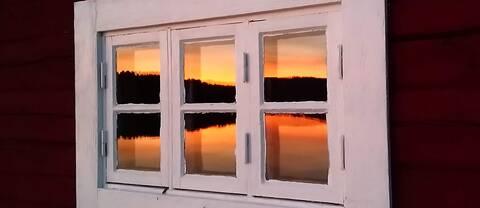 Spegling av Ansjön, Kälarne Jämtland.