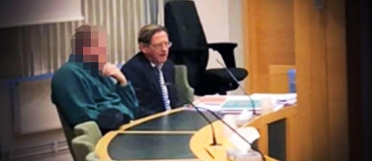Brittisk minister erkanner hade relation med eskort