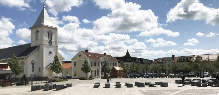 Stortorget i Kungsbacka. Kungsbacka kommun. Kungsbacka kyrka.