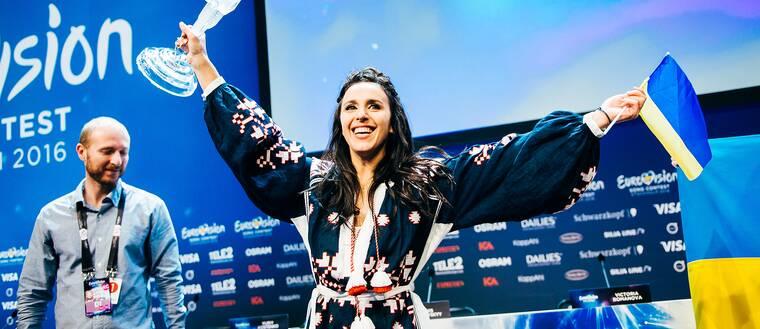 Jamala på vinnarpresskonferensen.
