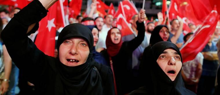 Kvinnor i Turkiet efter misslyckade militärkuppen