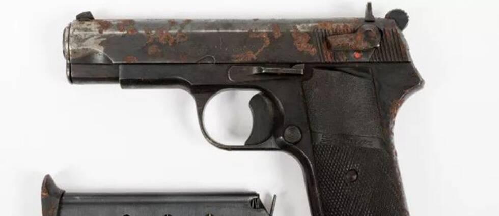 Ett av de vapen som har använts vid mordet.