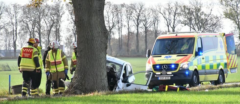 – En har förts med ambulans till sjukhuset i Malmö, säger Kim Hild, polisens presstalesman.