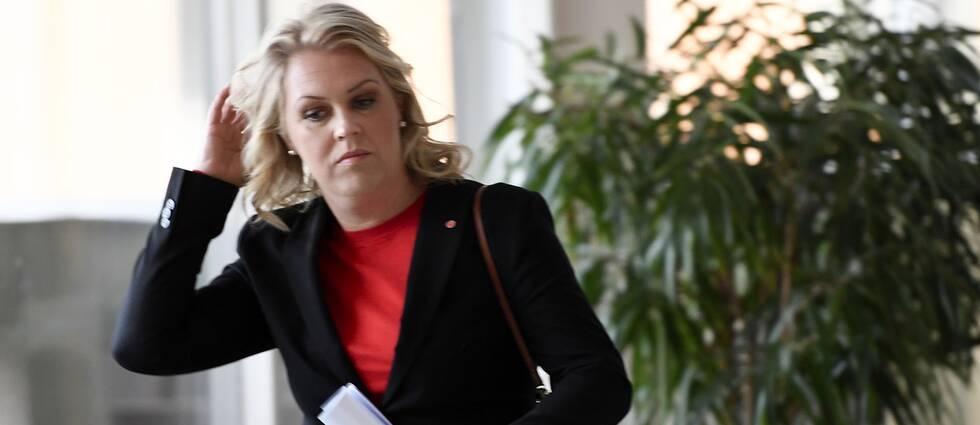 Socialminister Lena Hallengren presenterar förslag på ändringar i lagen om stöd och service till vissa funktionshindrade (LSS)