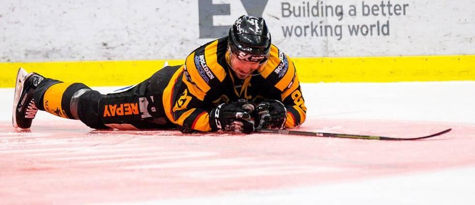 En skridsko skar av Jimmie Ericssons hälsena i derbyt mot Luleå. Veteranens säsong är över.