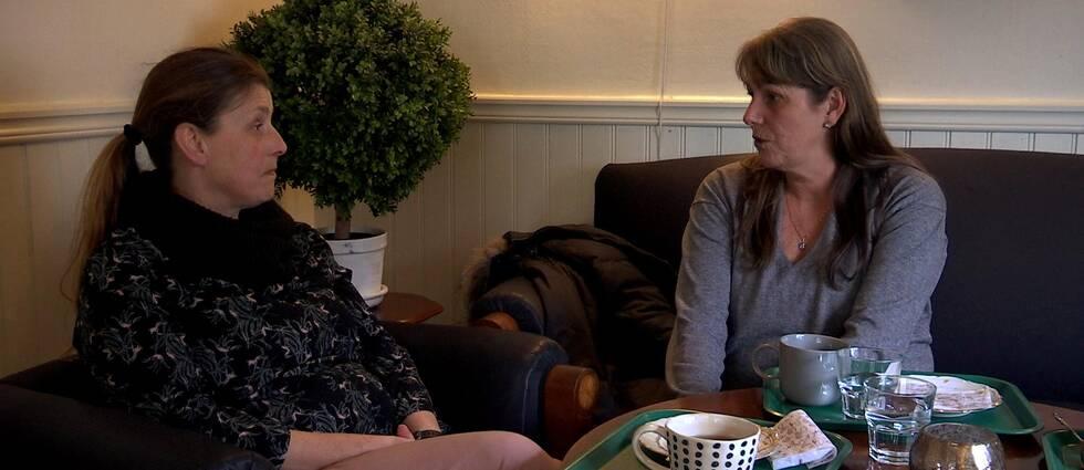 Ulrika Engman och Eva Berglind är kritiska till planerna på att flytta BUP-mottagningen på Öckerö.