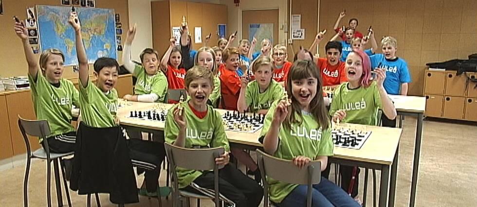 Elever på Furuparkskolan i Luleå klara för riksfinal i schack.
