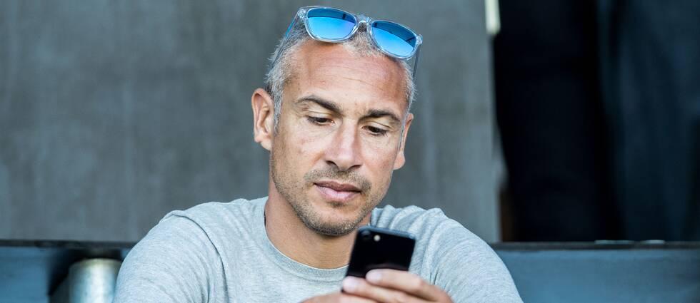 Henrik Larsson på läktaren under en allsvensk match mellan Malmö FF och Norrköping i juli förra året.