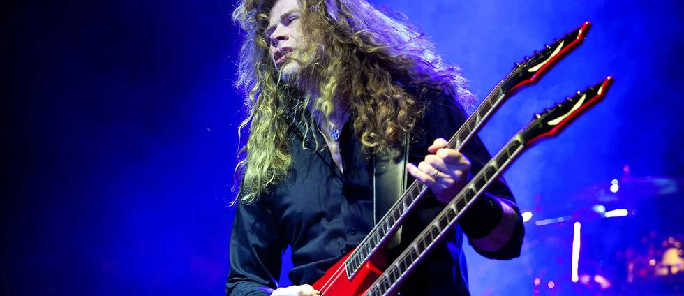 Dave Mustaine under en Megadeth-spelning i Budapest.