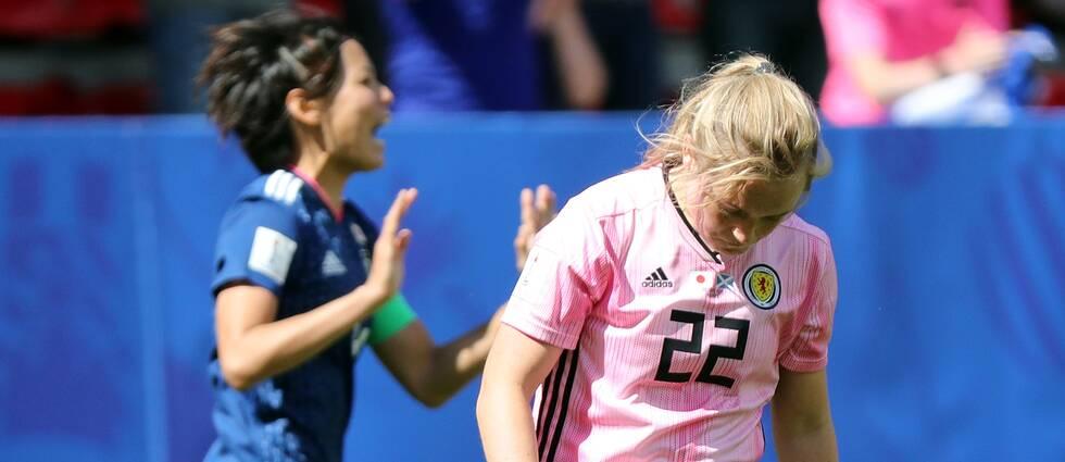 Skottland och Argentina kryssade sedan det rått kaos i slutminuterna.