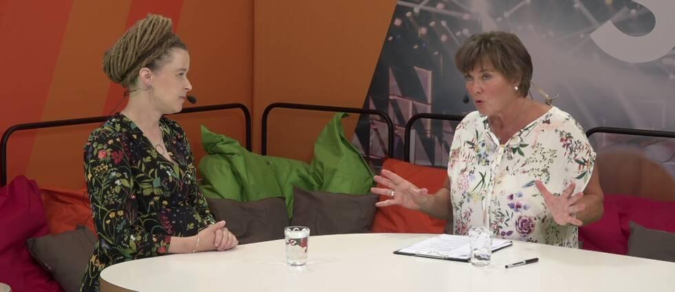 Kultur- och demokratiminister Amanda Lind (MP) intervjuas av Lotta Bouvin-Sundberg.