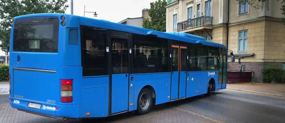 Under torsdagskvällen uppstod ytterligare ett bråk i samband med att en resenär inte vill betala på bussen i Skövde.