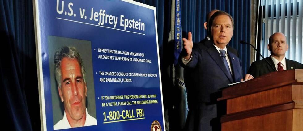 Den 8 juli åtalades den förmögne finansmannen Jeffrey Epstein för trafficking och konspiration av åklagaren Geoffrey Berman i New York. Foto den 8 juli 2019.