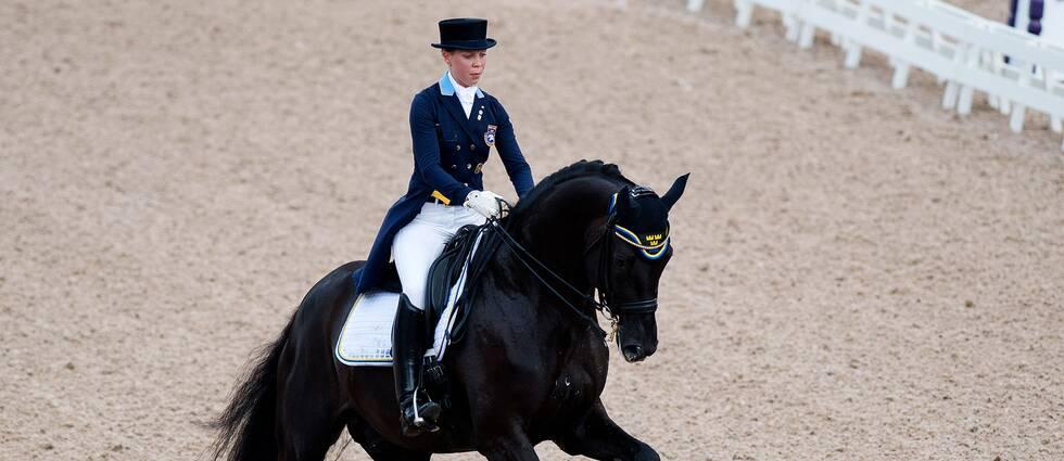 Therese Nilshagen, Sverige, på Dante Weltino OLD tävlar i den individuella dressyren under EM i ridsport den 25 augusti 2017 i Göteborg.