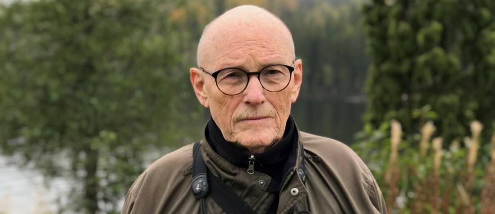 Christer Florman, Naturskyddsföreningen, framför träd och sjö