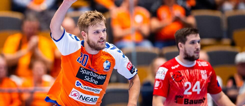 Anton Halén firar ett mål mot Dinamo Bucuresti.