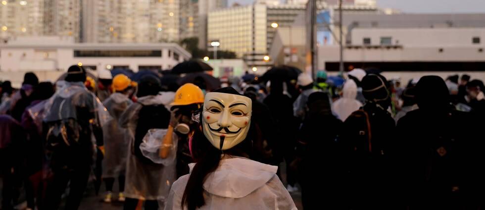Trots förbudet har demonstranter fortsatt att maskera sig vid ett flertal pro-demokratiska protester under de senaste veckorna.