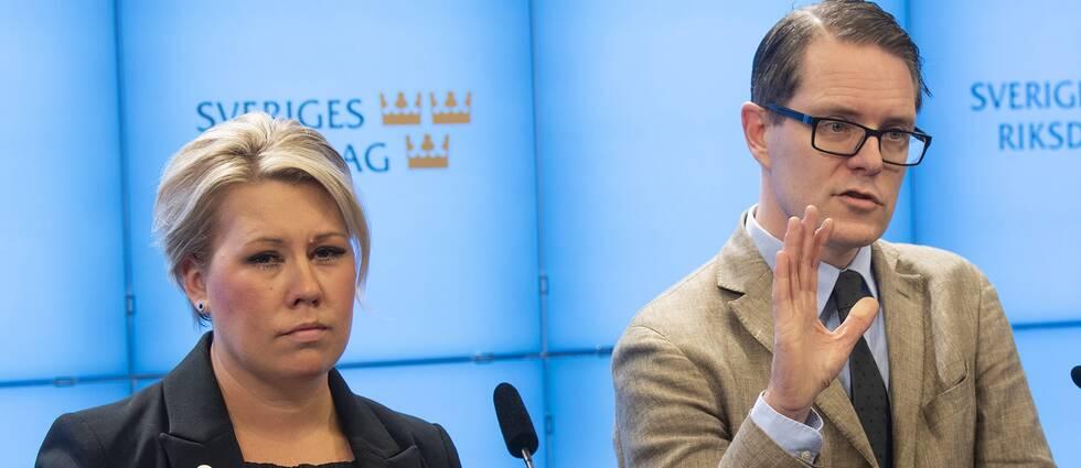 Kristdemokraternas energipolitiska talesperson Camilla Brodin tillsammans med Moderaternas motsvarighet, Lars Hjälmered.