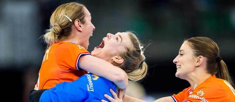 Nederlänsk glädje efter semifinalsegern.