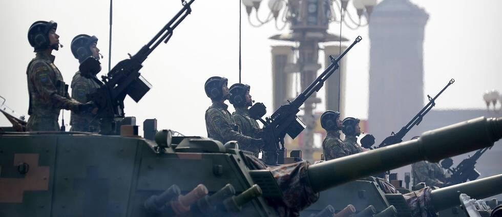 Kinesiska stridsvagnar visas upp i Peking när Kinas kommunistparti firade 70 år vid makten den 1 oktober 2019.